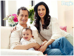Anthony Weiner with his wife and son